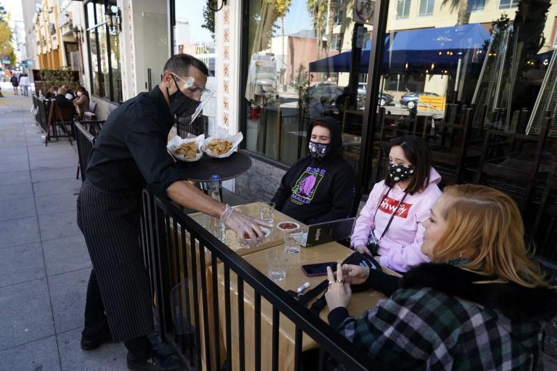 Los Angeles restaurants win court battle over closures