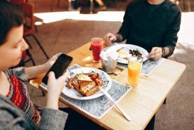 7 Smart Restaurant Mobile Marketing Strategies