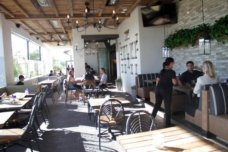 Bates Part of Bipartisan Effort to Reclassify Restaurants as Essential Businesses