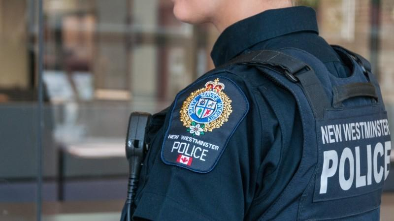 Owner of Metro Vancouver pizza restaurant threatened with stun gun over bill, man arrested