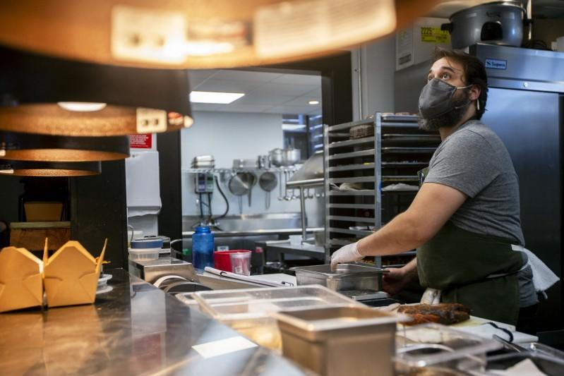 Downtown Charleston restaurants finding ways to make Valentine's Day extra sweet this year