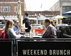 Stamford takes restaurant dining to the streets