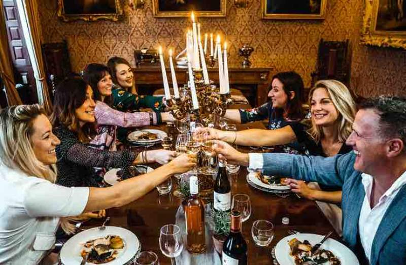 Top 10 Tips For Hosting a Dinner Party