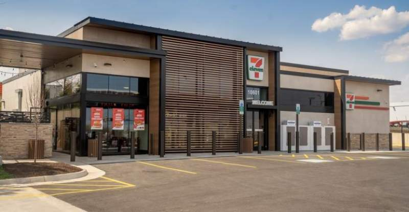 7-Eleven expands foodservice push with dual-restaurant store