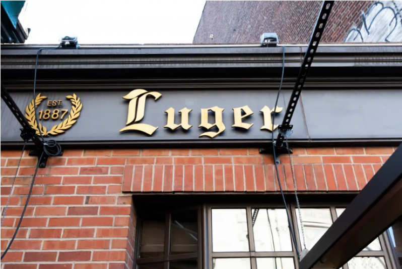 Two Outdoor Diners Wounded During Shooting at Brooklyn's Peter Luger Steakhouse