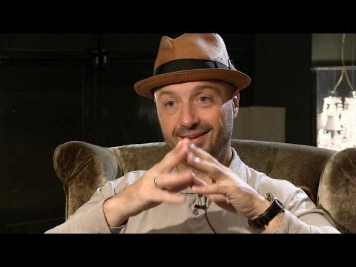 A New York native, Joe Bastianich was raised in an Italian family where food and cooking were a key part of his upbringing His mother is celebrity chef TV host Lidia