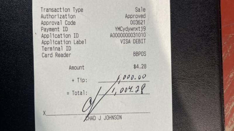 Chad Ochocinco Leaves $1,000 Tip at Restaurant in Houston
