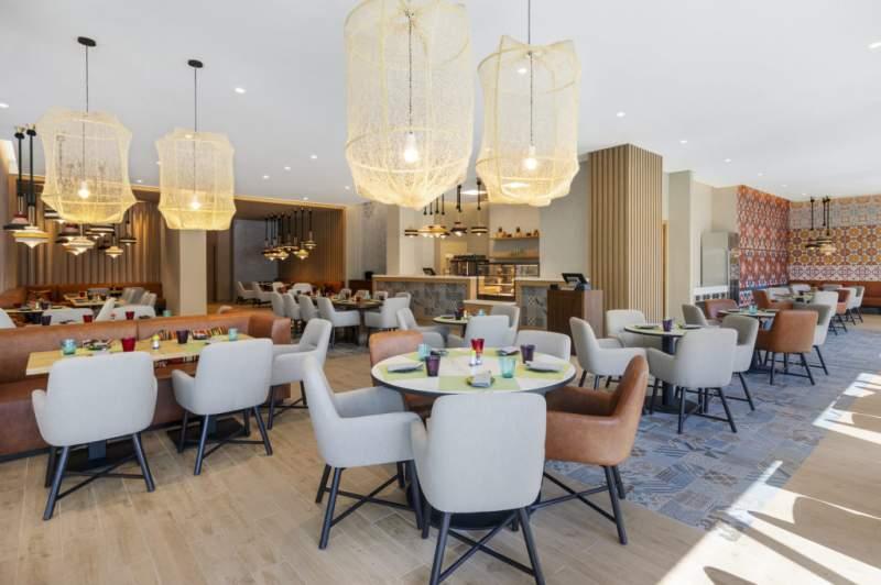 Asian restaurant World of Curries opens at Aparthotel Adagio Dubai Deira
