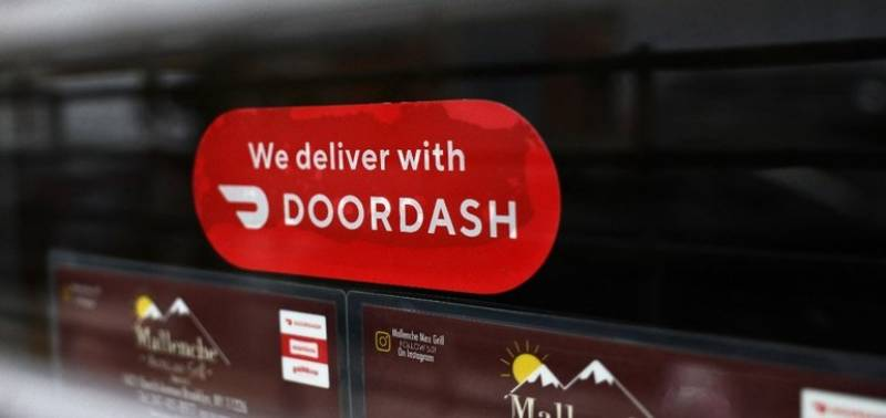 Report: 25% of online restaurant orders in 2020 were for delivery